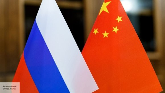 Медведев заявил о цели изменить структуру товарооборота между Китаем и РФ