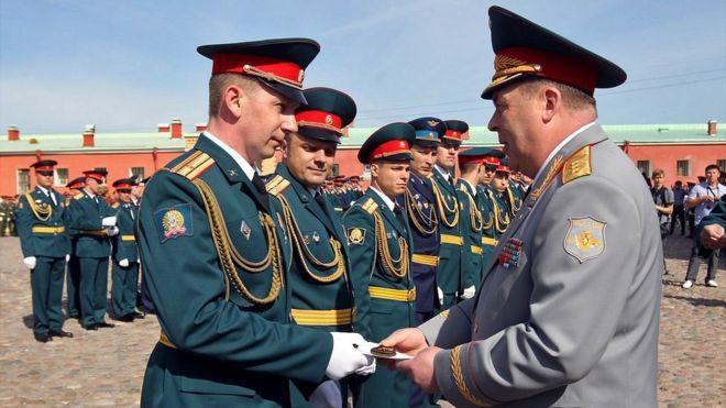 Пенсия военнослужащих в 2019 году: последние решения Путина и Минфина | Свежие новости