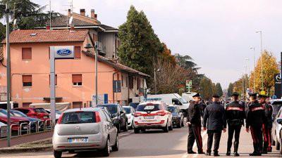 В Италии преступник захватил в заложники работниц почты