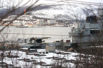 Опубликованы первые фото «Адмирала Кузнецова» после аварии с плавдоком