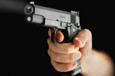 В Москве в автомобиле обнаружили тело мужчины с огнестрельным ранением