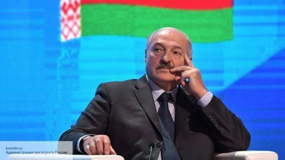 Лукашенко ответит ракетами на военную базу в Польше