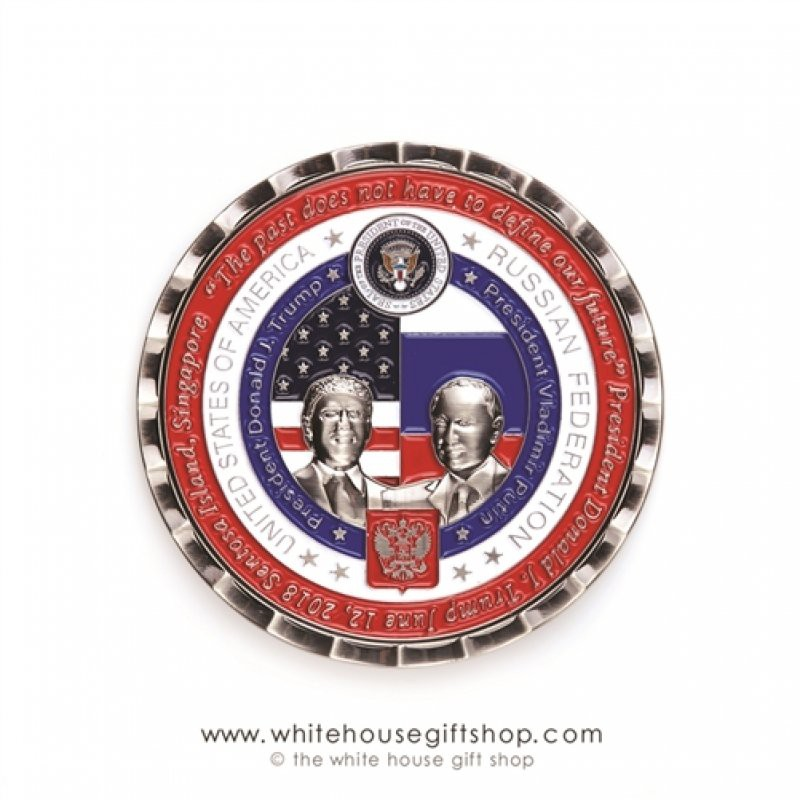 Казус США: на памятной американской монете в честь встречи Путина и Трампа сделали три опечатки на русском языке