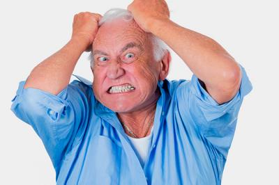 Медики рассказали, как распознать старческое слабоумие