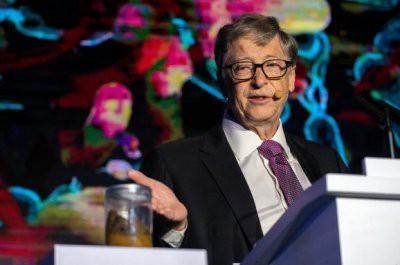 Билл Гейтс презентовал работающий без воды туалет