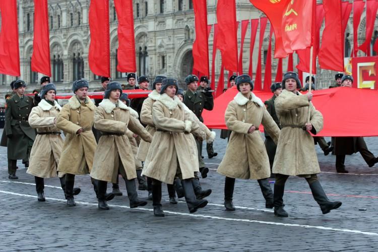 Парад 7 ноября 2018 года в Москве на Красной площади: смотреть онлайн трансляцию в Сети, прямой эфир. по какому каналу   Свежие новости