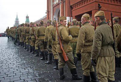 Движение по улице Ильинка в Москве ограничат из-за парада