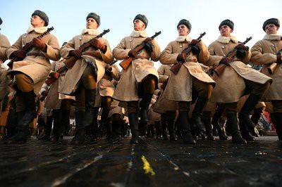 Посвященный военному параду 1941 года марш прошел по Красной площади в Москве