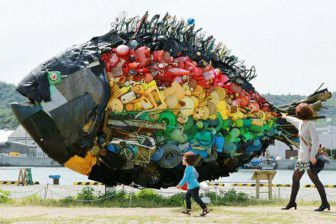 В Петербурге могут начать создавать скульптуры из мусора