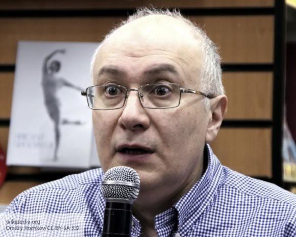 «Это грязная провокация»: украинский телеведущий грубо высказался о действиях Киева