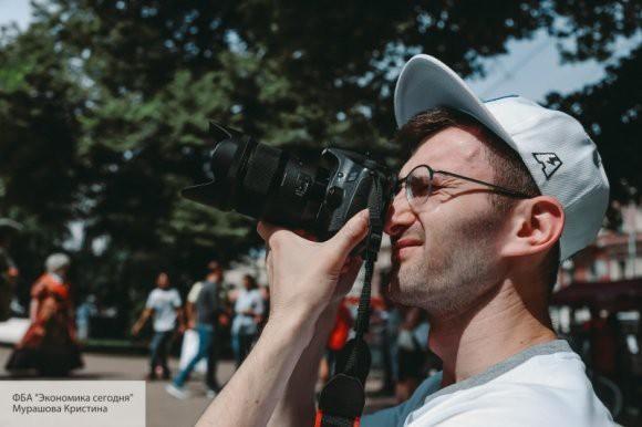 Медведев встретился с финалистами фотоконкурса имени Стенина