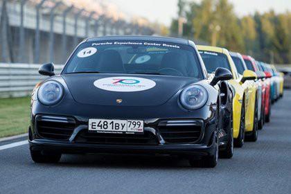 Hugo Boss оденет гонщиков Porsche