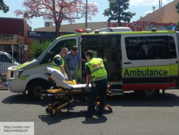 В Мельбурне задержали мужчину, напавшего на полицейских с ножом