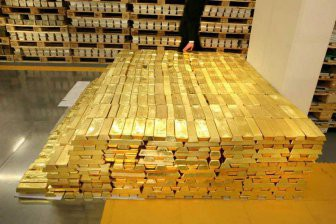 Для чего Россия накапливает золото?