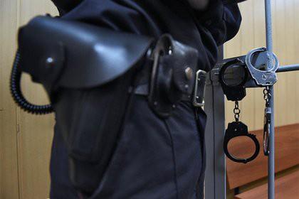 Российская пенсионерка сажала приемных детей на цепь и била поленом