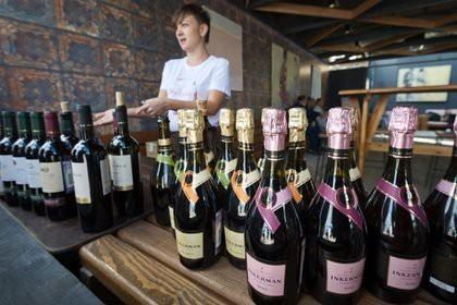 В Госдуме предложили ограничить продажу алкоголя в барах по ночам