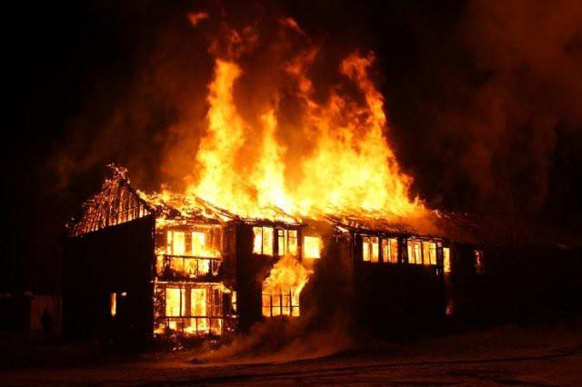 Пожар в Калифорнии — звезды Голливуда в опасности