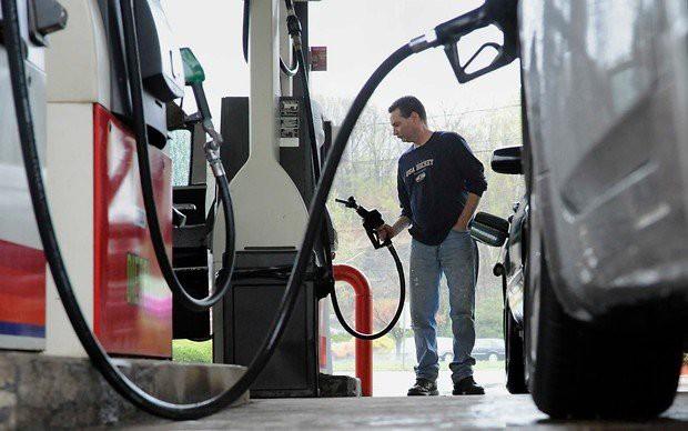 Цены на бензин — последние новости: «Роснефть» подписала соглашение с правительством о фиксации цен на бензин