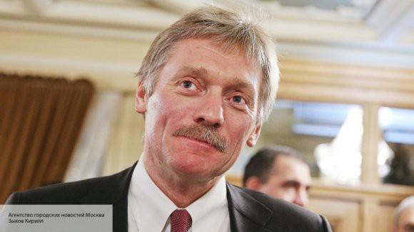 Песков ответил на вопрос о вертолетах над Кремлем