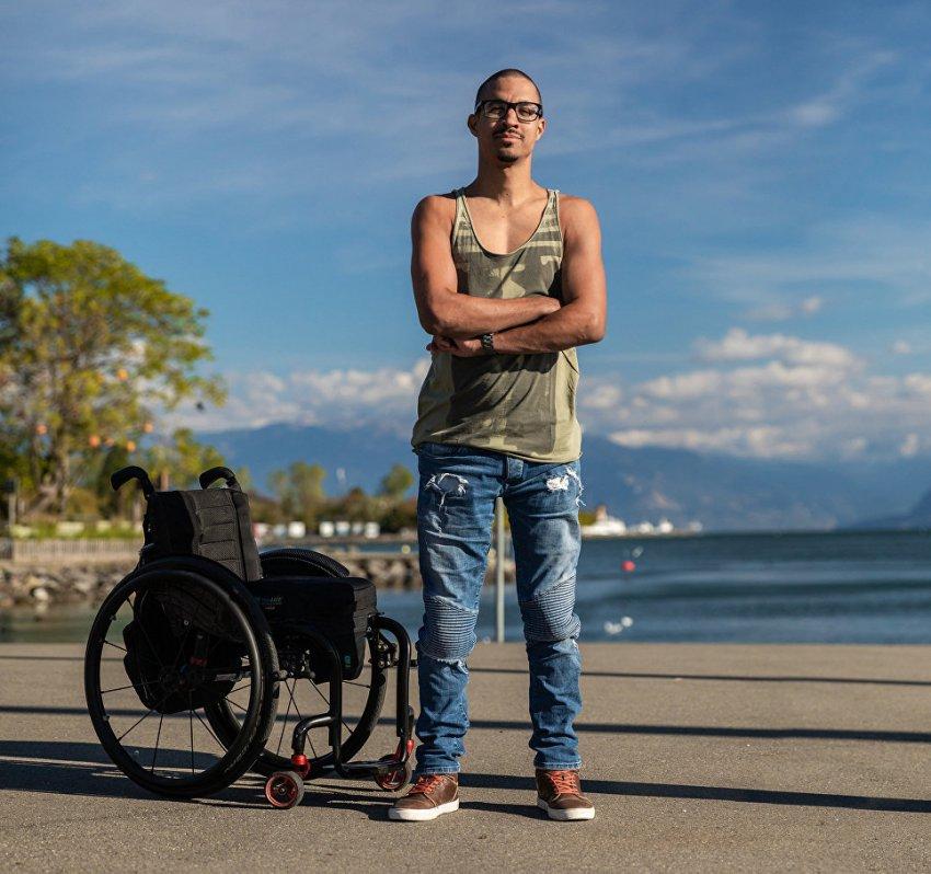 """""""Первый шаг"""": ученые вернули трем паралитикам способность ходить"""
