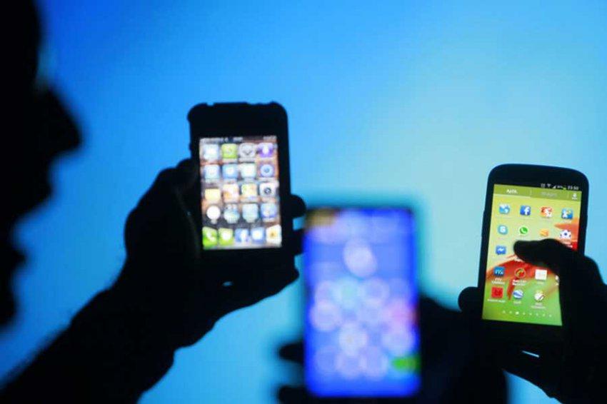 Ученые: Излучение смартфонов может провоцировать рак