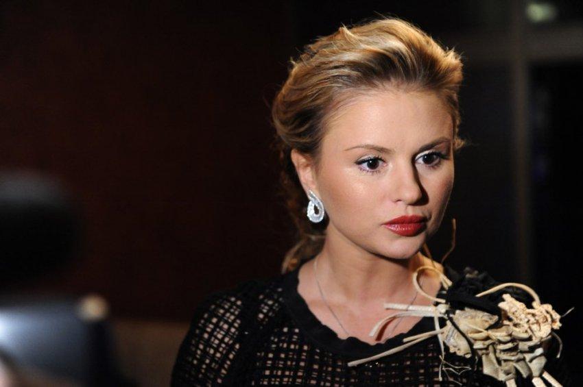 Анна Семенович почему в больнице, что случилось: госпитализирована