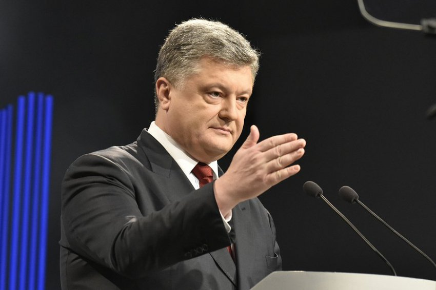 Порошенко потребовал от представителей РПЦ покинуть Украину