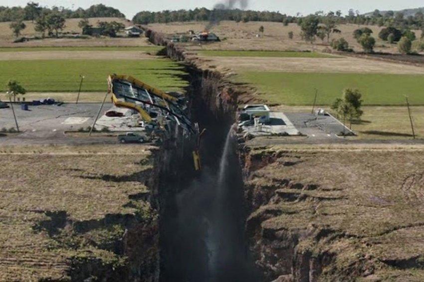"""Российские физики научились прогнозировать землетрясения по """"шепоту Земли"""""""