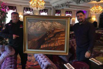 Хабиб Нурмагомедов вдохновил российского художника Александра Абинова на шедевр