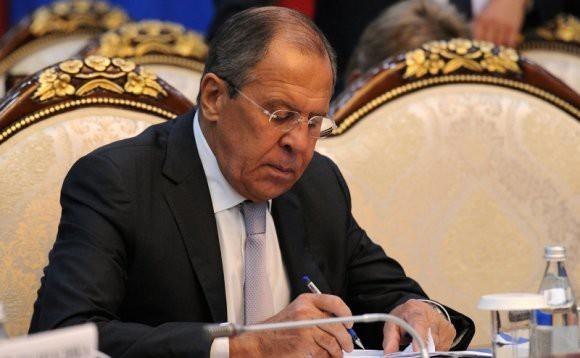 Лавров рассказал о подготовке гуманитарной миссии ОДКБ в Сирии
