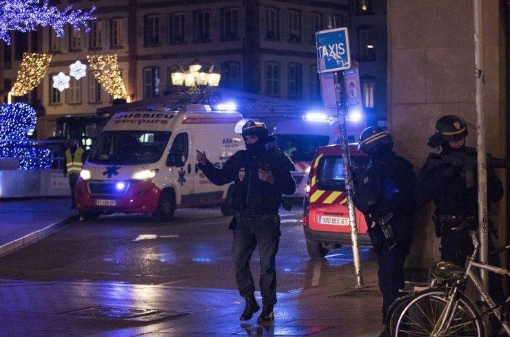 4 человека погибли во время стрельбы на ярмарке в Страсбурге