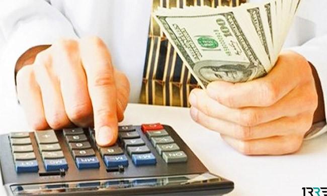 Чтобы накопить деньги, нужно больше зарабатывать и правильно распределять доходы и расходы