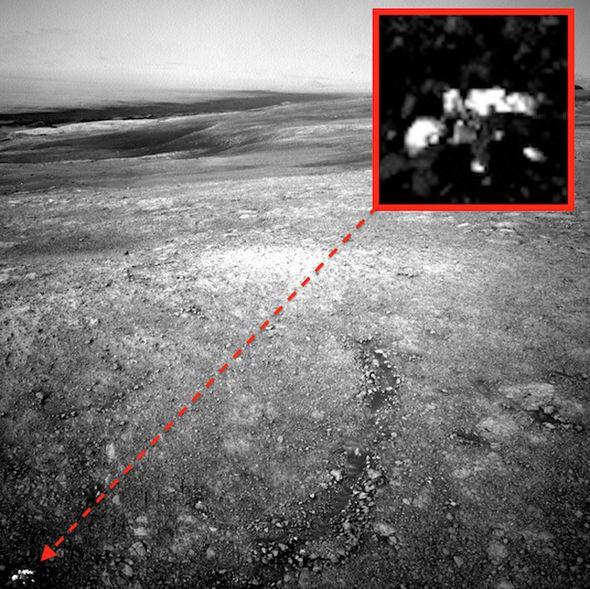 Марсоход Curiosity обнаружил на Марсе робота внеземного происхождения