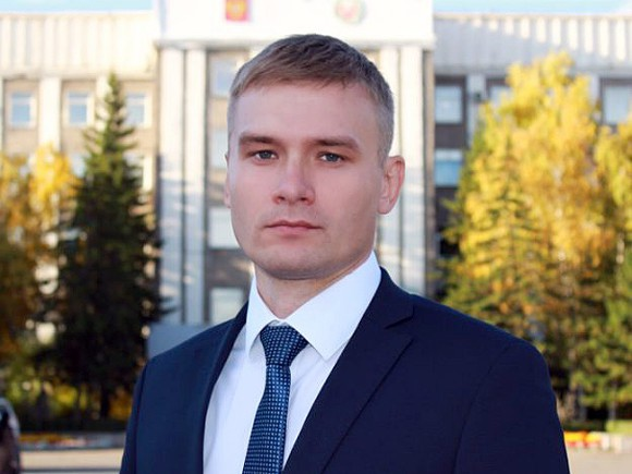 Михаил Леонтьев в прямом эфире оскорбил главу Хакасии, назвав его дебилом
