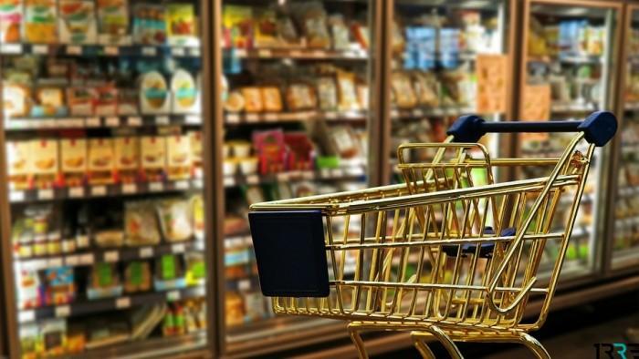 Оливье в кризис: главный новогодний салат стал дороже