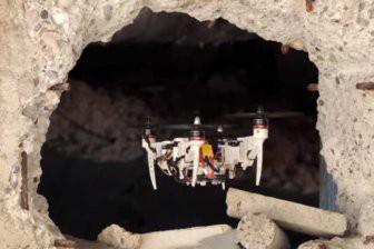 Ученые научили дрон менять форму для преодоления узких проходов