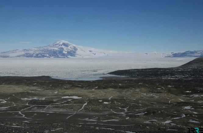 На станции Мак-Мердо в Антарктиде погибло два гражданина США