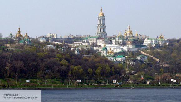 В Киеве проходит Объединительный собор с участием Порошенко