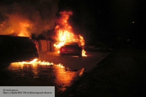 Житель Самарской области ошибся дорогой и вытащил человека из горящей машины