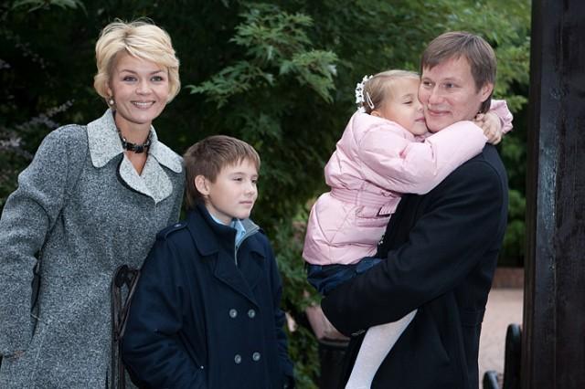 Юлия Меньшова беременна третьим ребенком