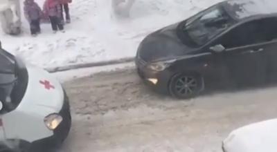 Автоледи в Темиртау заставила «Скорую» уступить ей дорогу