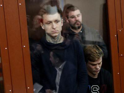 Мосгорсуд оставил Кокорина и Мамаева под арестом