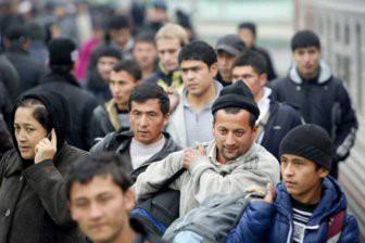 Откуда и зачем мигранты едут в Россию?