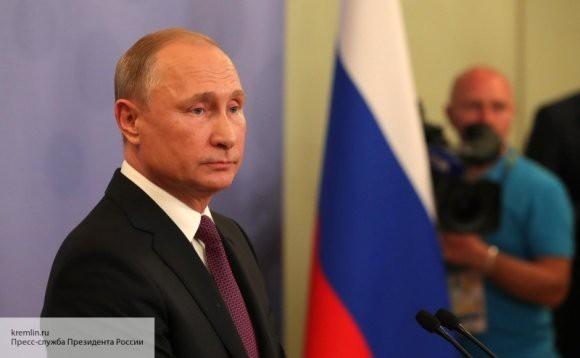 Владимир Путин подписал закон, предусматривающий блокировки «групп смерти»