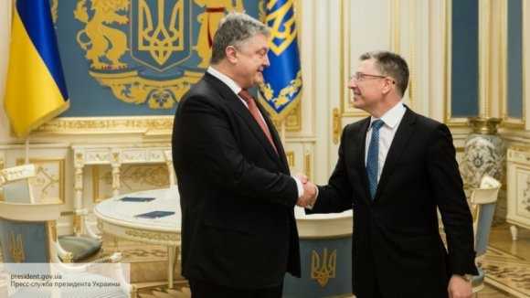 Волкер попросил Киев отказаться от продления военного положения