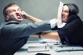 Ученые: Грубость на работе вызывает проблемы со сном