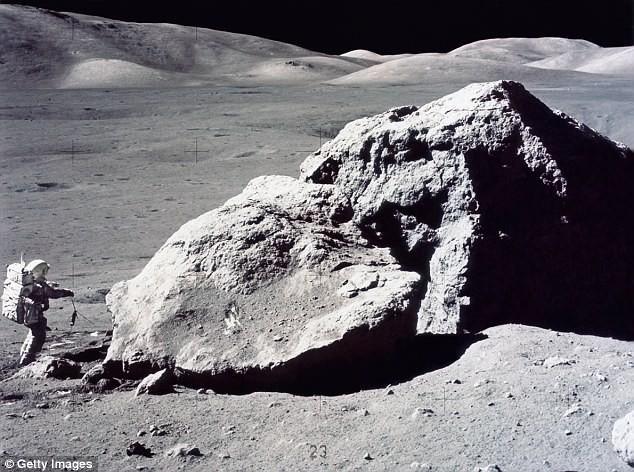 Люди не смогут жить на Луне, так как лунная пыль вызывает рак легких