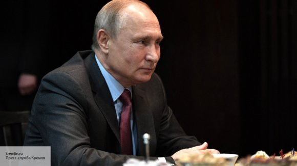 Путин рассказал, доволен ли работой команды Медведева