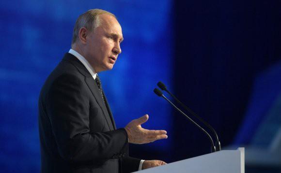 Президент РФ рассказал, что доволен развитием отношений с Китаем