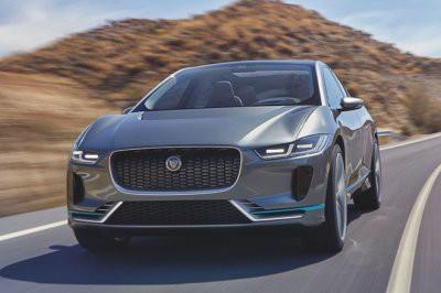 На российском рынке стартовали продажи электрического кроссовера Jaguar I-Pace.